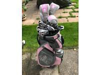 Ladies golf club set and bag
