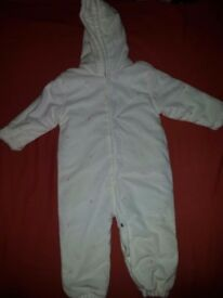 Girls 12-18 month snowsuit. Excellent condition