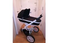Stylish Quinny buggy and carrycot