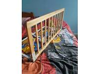 BabyDan Wooden Safety Protection Guard/Bed Rail for Kids (90 x 43 cm).