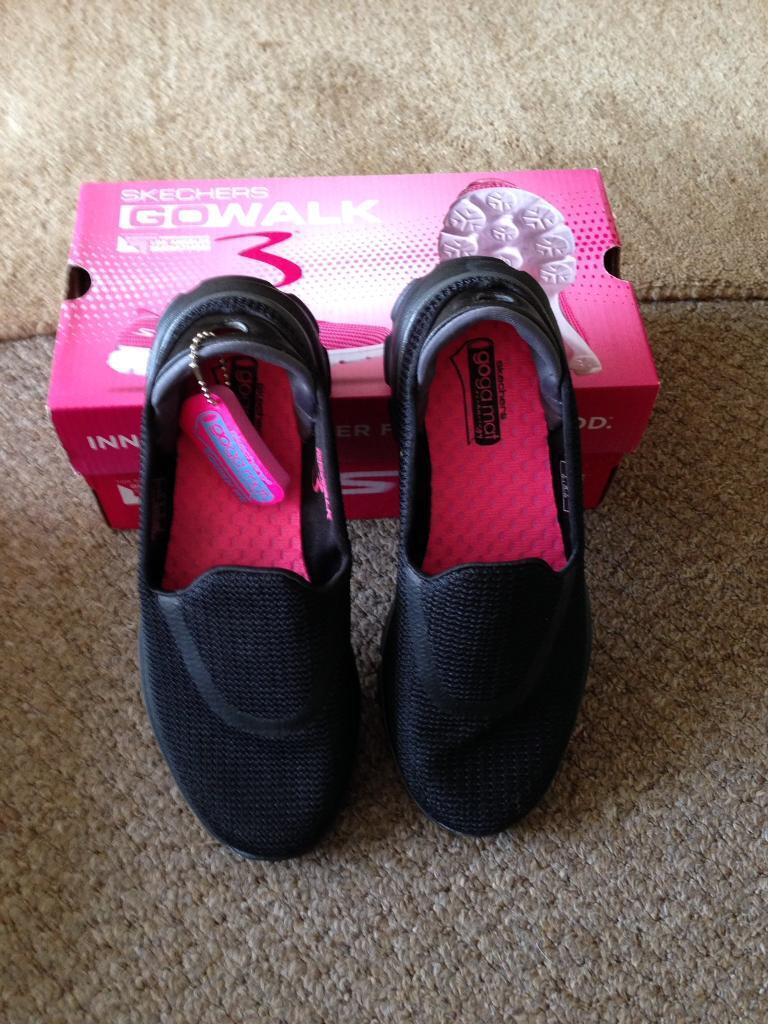 Ladies Skechers go walk 3