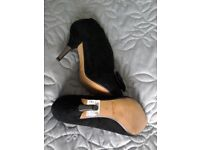Beautiful brand new ladies heels size 4 from Clark's.