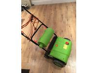 Electric Scarifier and raker Garden lawn machine
