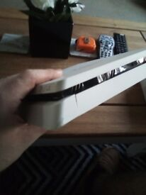 PlayStation 4 500gb slim white