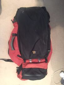 Use Men's Kathmandu Tramping Pack (adjustable and zipable straps, lots of storage, great condition)