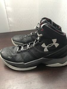 STEPHEN CURRY 2 SIZE 8.5 9/10 CONDITION