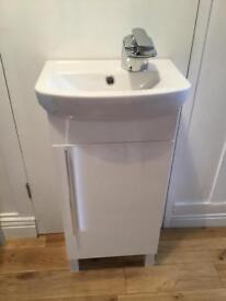 New Vanity Unit Inc Waterfall Tap & Pop Up Waste