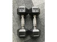 Set of 2x 4 kg dumbbells (rarely used, great condition)