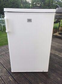 Fridge Zanussi with Freezer Compartment