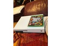 Xbox one s 500gb with controller + gta 5