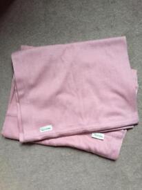 Yoli & Otis baby carrier in pink