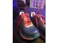 Mens hoka arahi support running shoes,size 8.5 only worn few times,bargain price £35