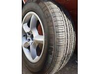 Michelin energy 236/65/17 on bmw x5 rim very nealy new tyre