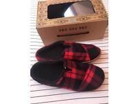 toms berkeley slippers -size 10 BRAND NEW