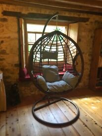 *Brand New* Swinging Egg Chair in Gorgeous Chocolate Brown Colour. A Stunning & Eye Catching Chair.