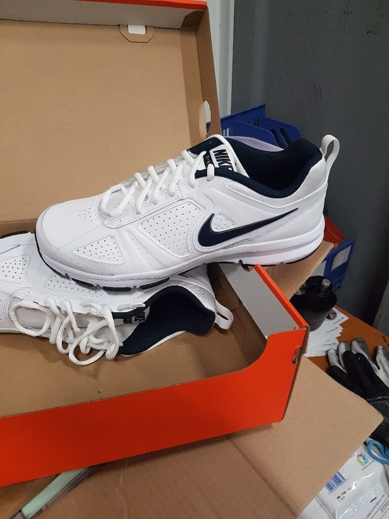 MENS NIKE BRAND NEW TRAINERS SIZE 9  ca135cf69