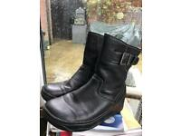 Black leather Fitflop boots women's size 8