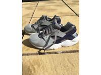 Nike boys trainers size 5