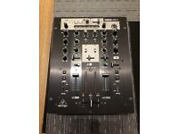 Behringer nox 404 scratch mixer with effects
