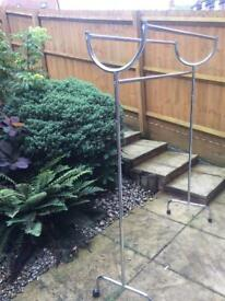 Free standing clothes rail