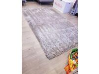 Silver indulgence rug