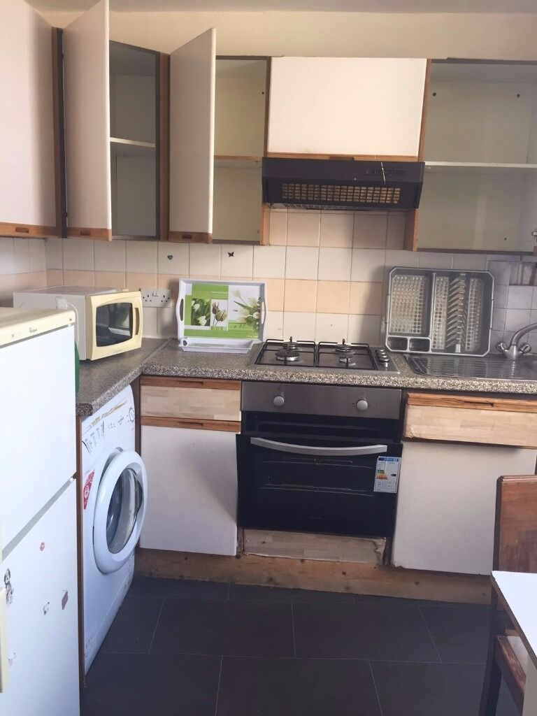 ONE BED FLAT NEAR MARYLAND STATION