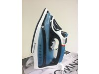 Professional 2600 W Steam Iron - Blue and Black