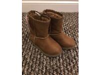 Girls boots (infant size 6) BNWT
