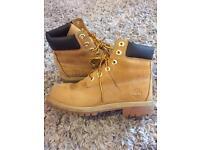 Women's Tan Timberland Boots Nearly New 4