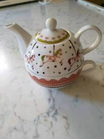 Tea for one cup and pot