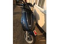 BARGAIN PIAGGIO FLY125ie 3700 MILES AND EXTRAS.