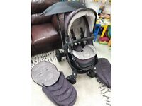 Egg Stroller in Storm Grey with A lot off extras!!!