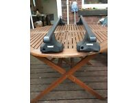 Thule Rapid Fit Roof bars for cars without rails or fixing point. Instructions and box available.