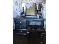 Gorgeous metallic silver dressing table set