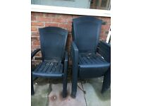 6 Matching Plastic Chairs