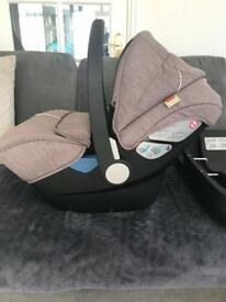 Silvercross newborn car seat with isofix and car seat adapters