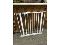 Lindam Easy Fit Plus Deluxe Safety Gate - Stair Gate