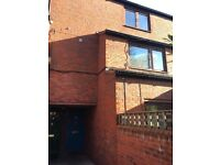 IMMACULATE FOUR BED HOUSE IN WEST HAMPSTEAD SLEEP SIX