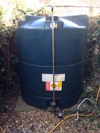 Titan 1300l Oil Tank with approx 1100l of oil in