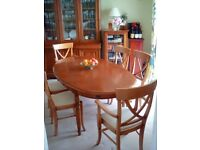 Cherry Wood Dining Table & 6 Dining Chairs (2 Carvers)