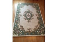 Large wool thick rug vintage pattern perfect condition