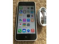 Apple iphone 5c in white, 8gb on EE