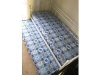 White metal day bed + mattresses