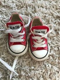 Red converse infant size 4