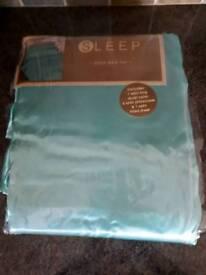 King size Teal Satin Bed Set
