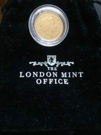2001 Gold coloured penny with accented silver details