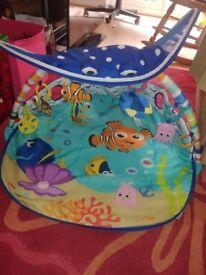 Disney baby finding nemo play mat