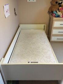 Kids mid style cabin/single bed in great condition.