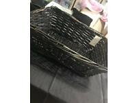 Hamper basket / wicker basket