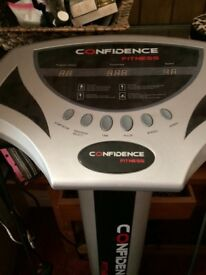 Confidence vibration plate with straps